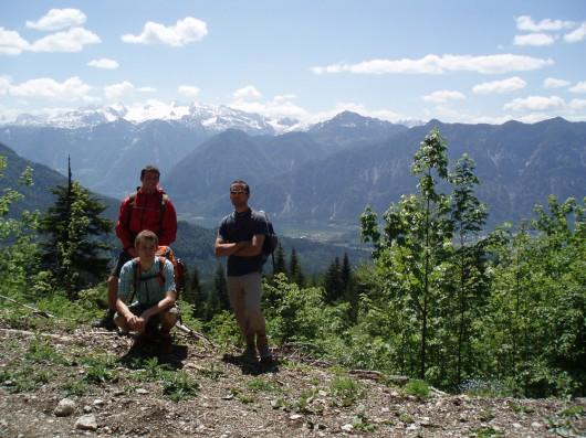 Reini, Kasi und Berni vor dem Dachstein